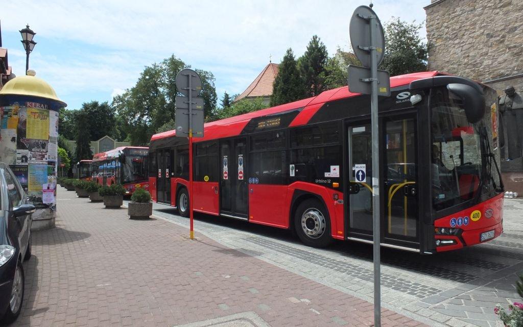 Mniej Autobusów. Pociągi Kursują Bez Zmian