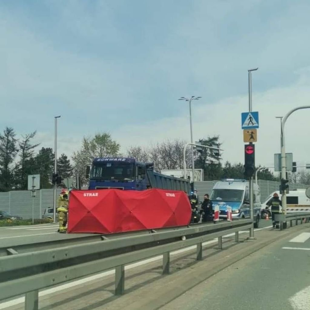 Ciężarówka potrąciła kobietę [AKTUALIZACJA]