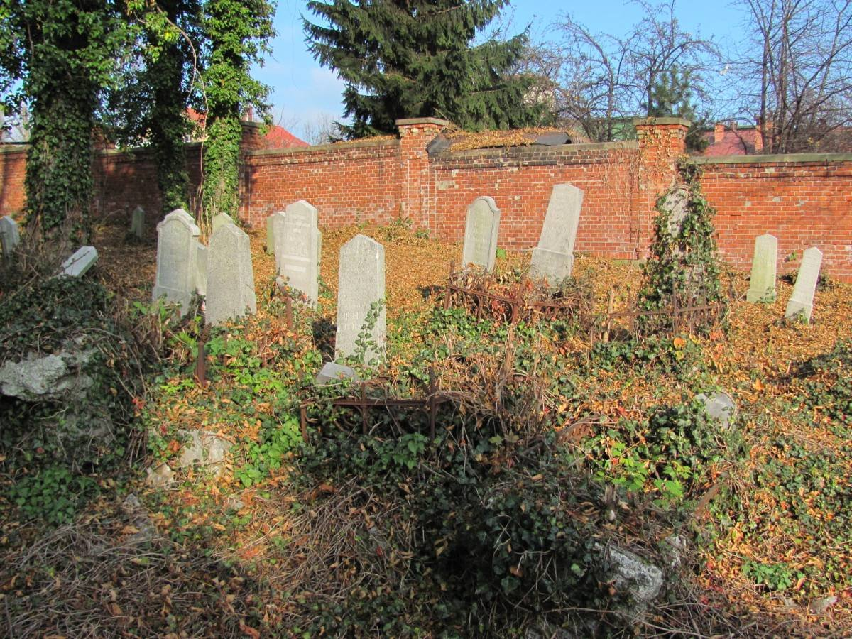 Spektakl na cmentarzu