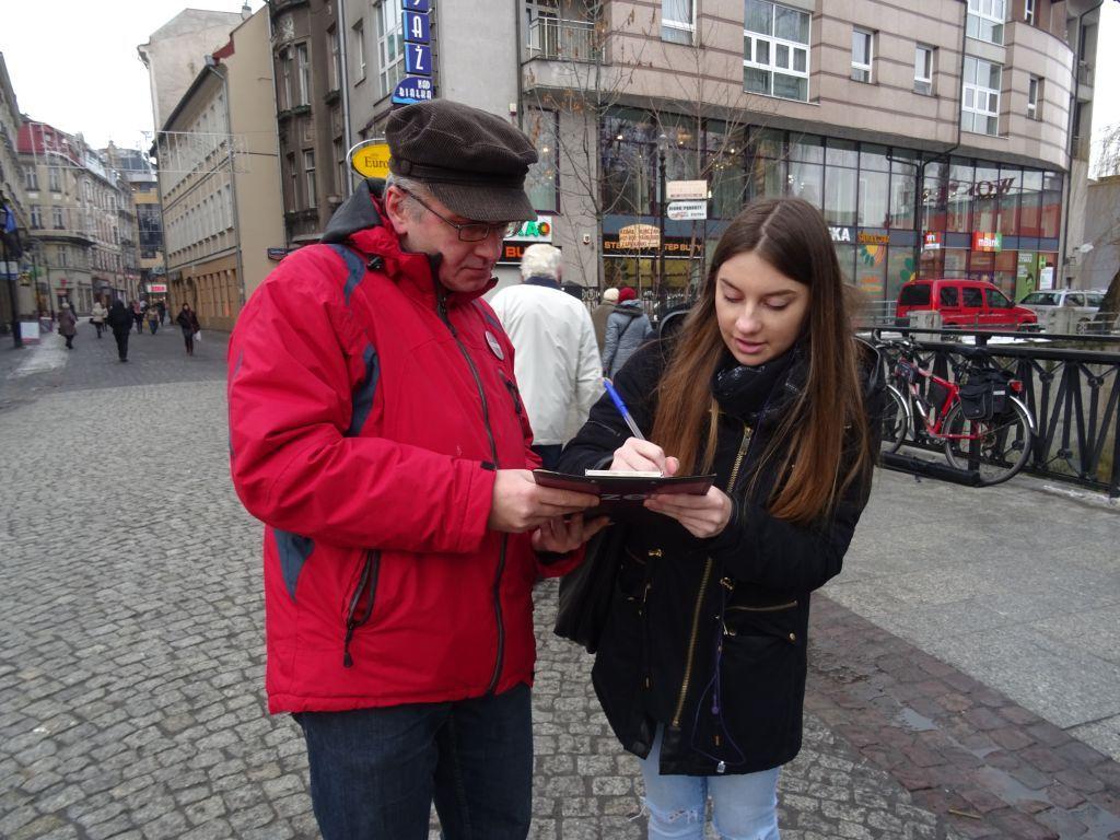 Zbierają podpisy pod petycją antysmogową