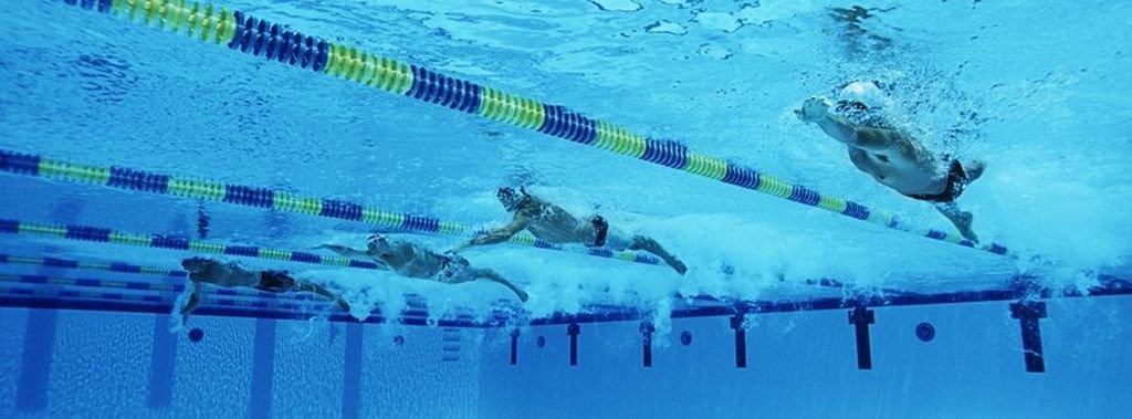 Pomaganie Poprzez Pływanie!
