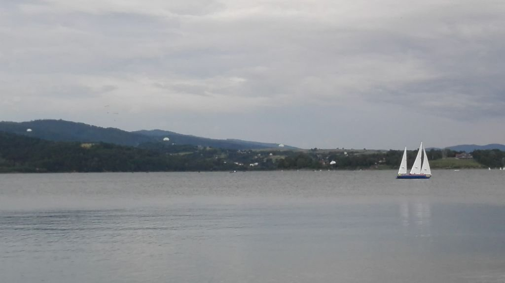 Desant Na Jeziorze
