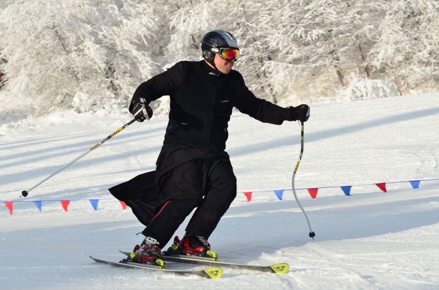 Slalom Gigant W Sutannie!