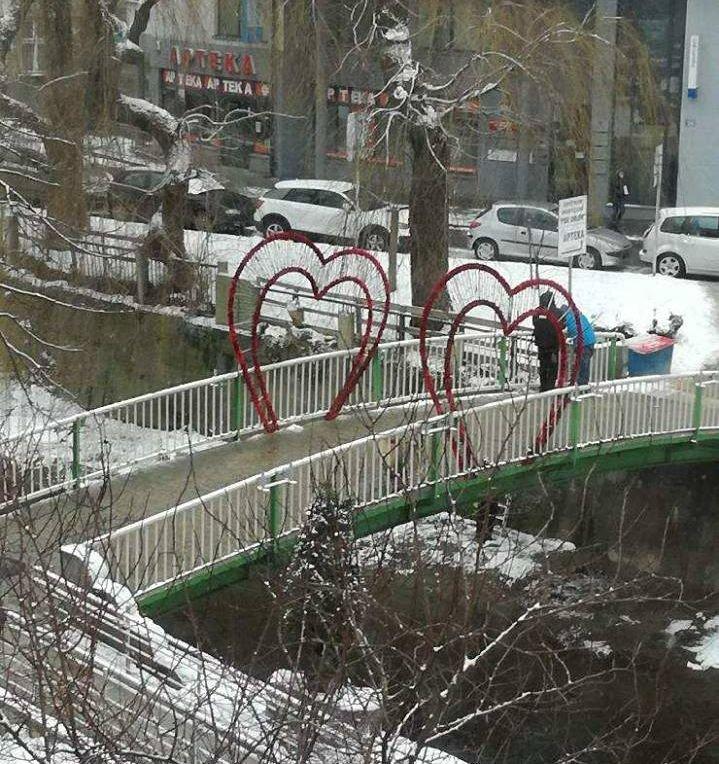 Romantyczny mostek