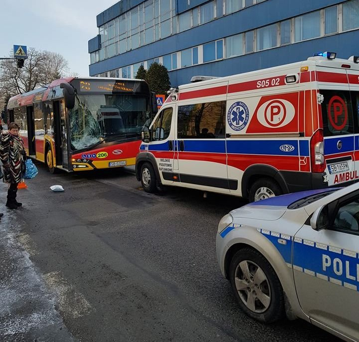 Autobus MZK potrącił pieszą [AKTUALIZACJA]