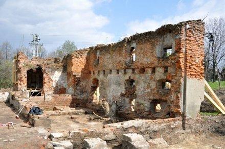 Ruiny zamienią na Centrum Edukacji Ekologicznej