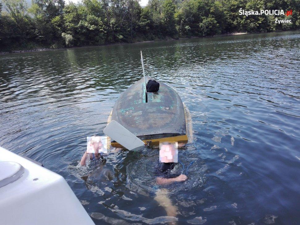 Akcja ratunkowa na jeziorze. Przewróciła się łódka