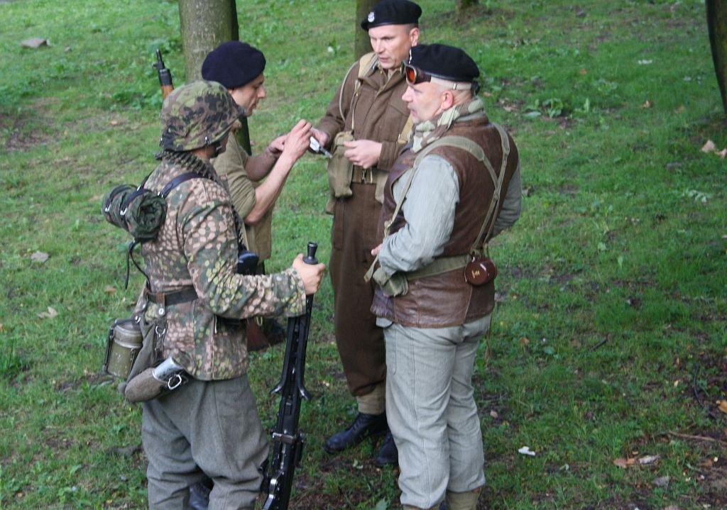 Inscenizacje Walk I Dużo Sprzętu Wojskowego