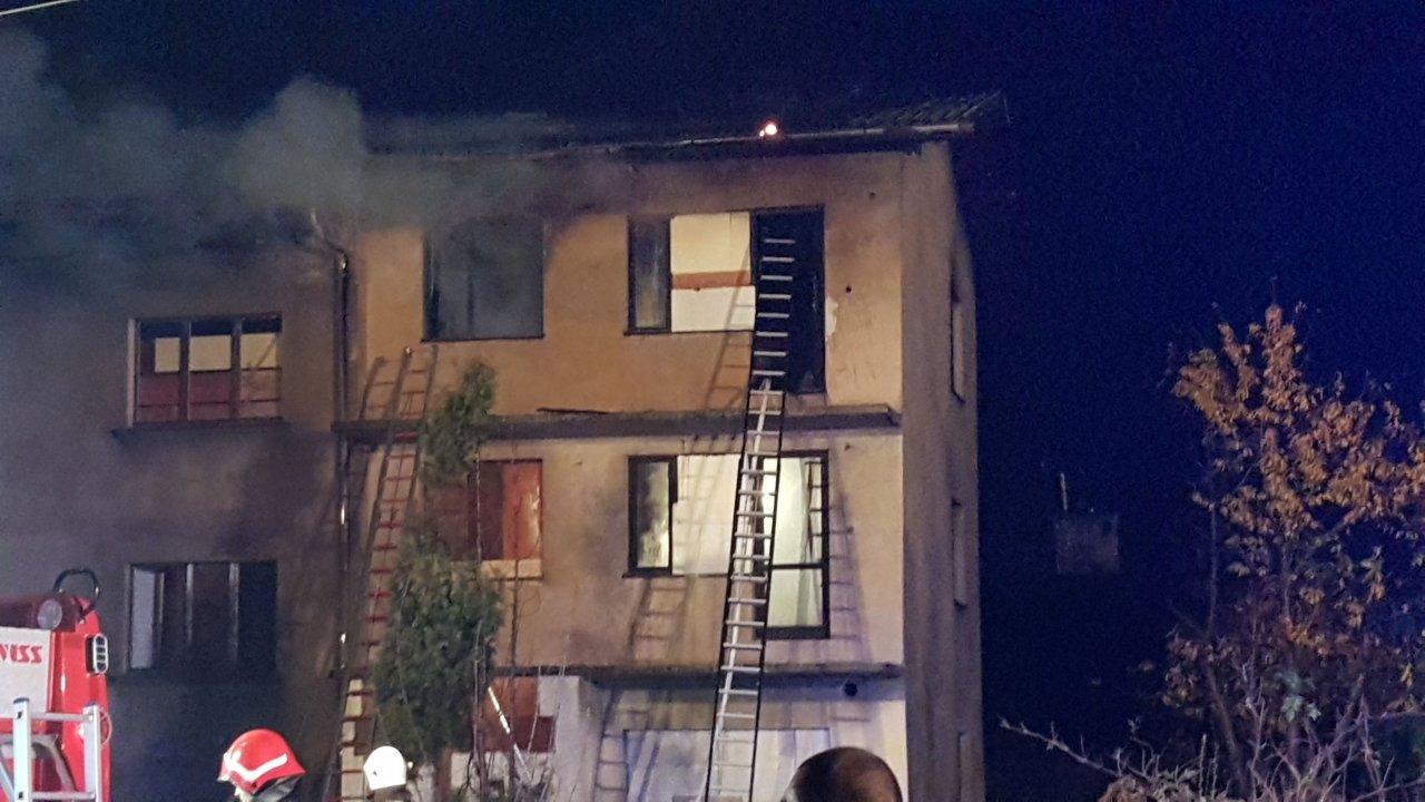 Płonął dom. Jedna osoba ewakuowana AKTUALIZACJA