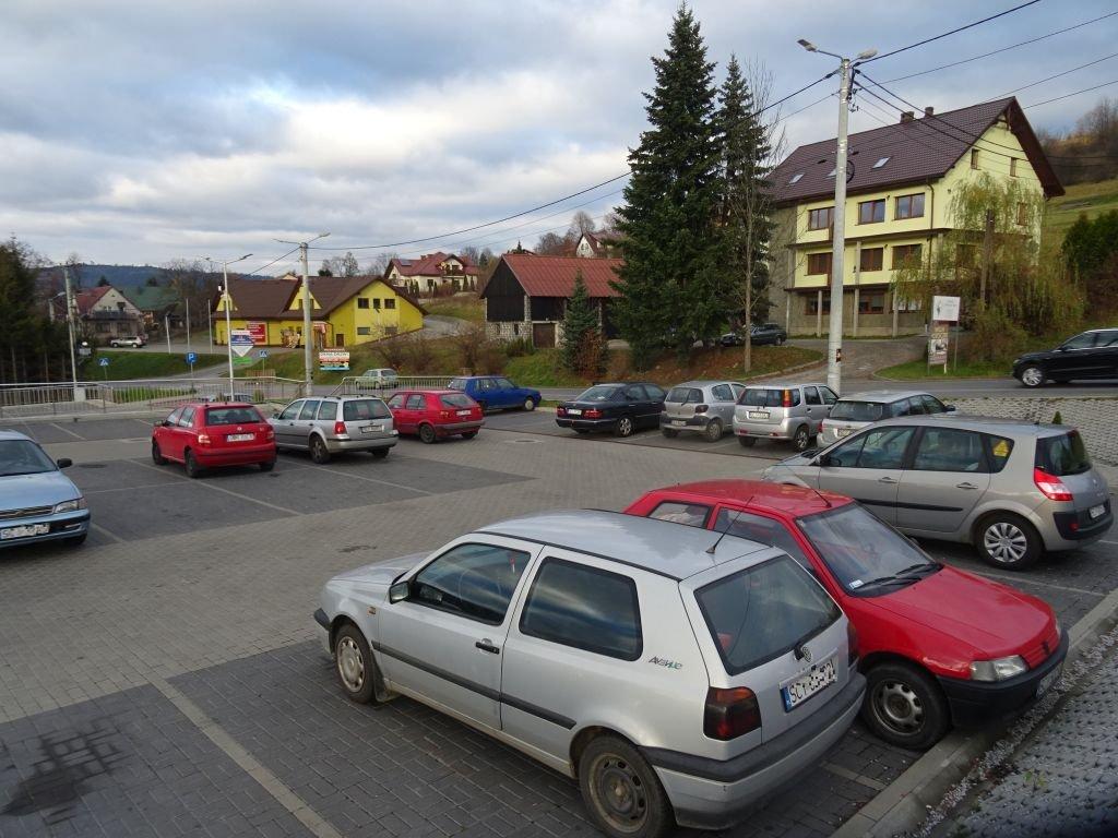 Parking Zamienił Się W Giełdę Samochodową