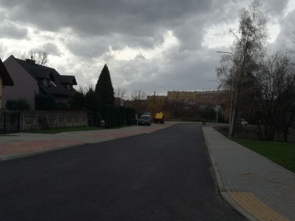 Wybudowali ulicę o nazwie... Chodniki!