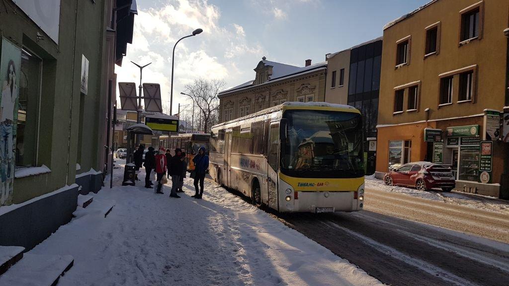 Autobusy Opóźnione, Lekcje Wcześniej Zakończone