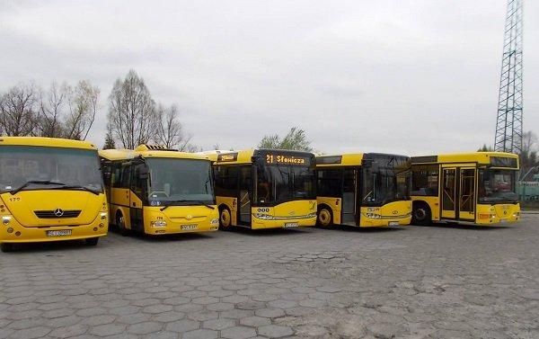 Lekcje w autobusach. Jeden stanie na rynku