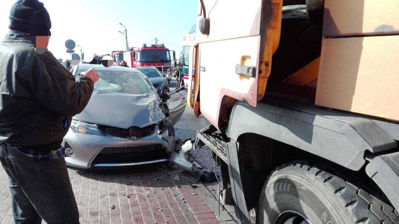 Niebezpiecznie na drogach. Jedźcie ostrożnie!