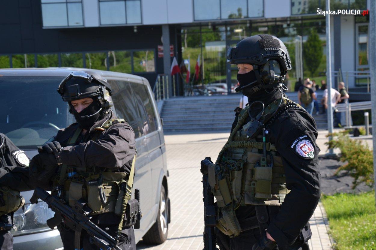 Policja Rozpracowuje Dużą Grupę Przestępczą