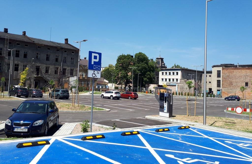 Nowy parking w centrum miasta. Póki co darmowy
