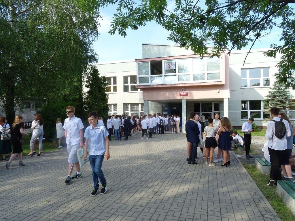 Ponad 300 Uczniów Bez Szkoły