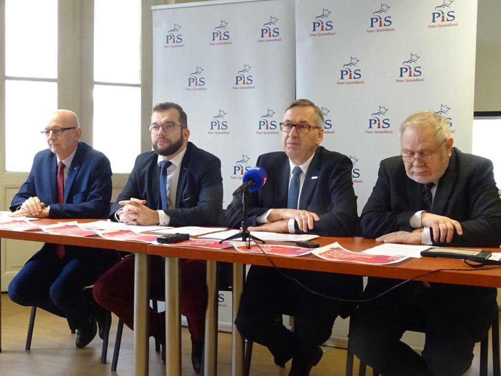 Pis Odkrywa Karty. Oto Kandydaci Do Sejmu I Senatu