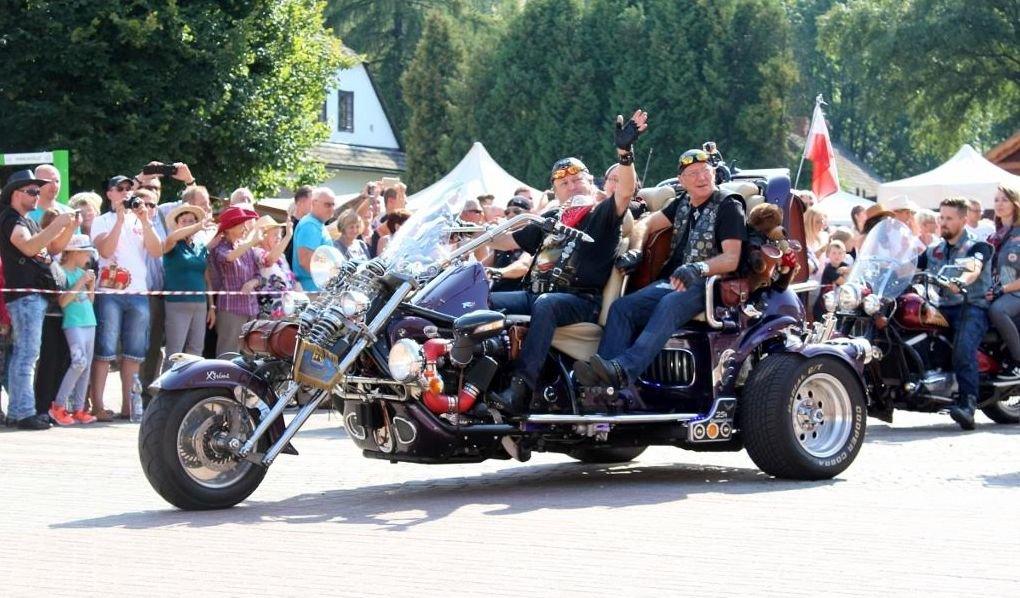 Muzyka Country, Harleye I Kowboje - W Ten Weekend
