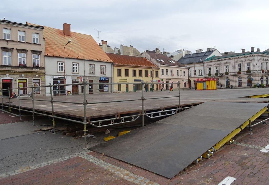 Ślizgawka W Centrum Miasta. Ruszyły Prace