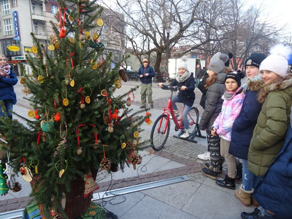 Rowerzyści Rozświetlili Choinkę W Centrum Miasta