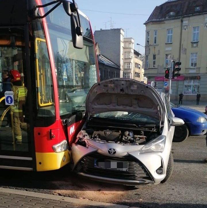 Wypadek Z Udziałem Autobusu Mzk [Aktualizacja]