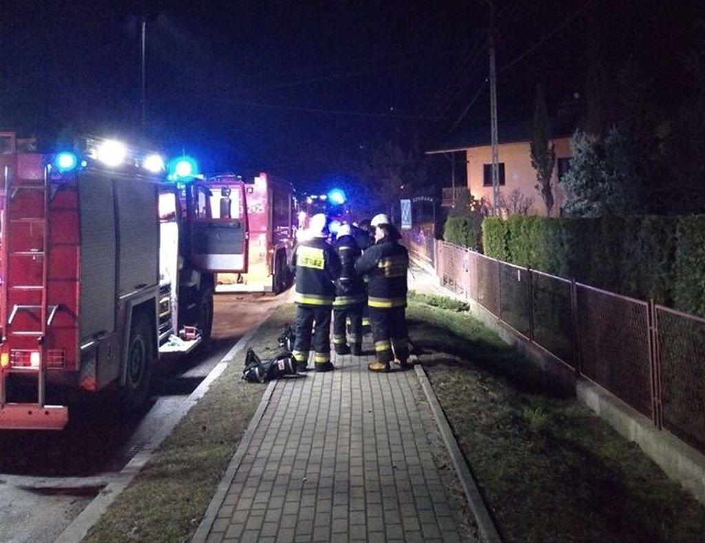 Nocny Pożar: Policjanci Pomogli Matce I Jej Dziecku