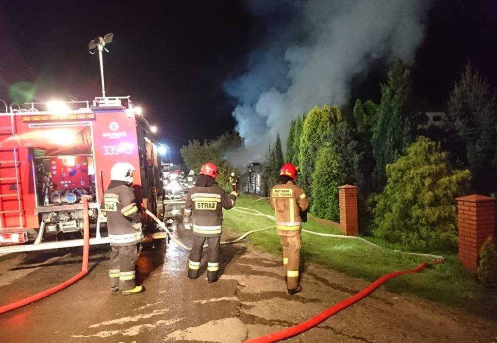 Palił się drewniany dom