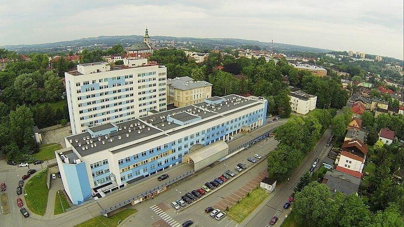 Koronawirus W Szpitalu. Zakażeni Pacjenci I Pracownicy