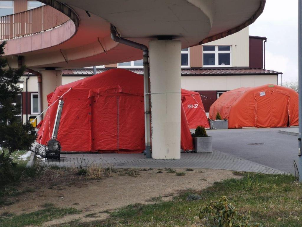 Covid-19: szpital zamówił urządzenie do robienia testów
