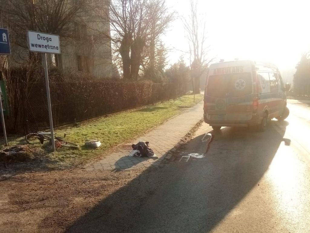 Zderzenie samochodu z rowerzystą