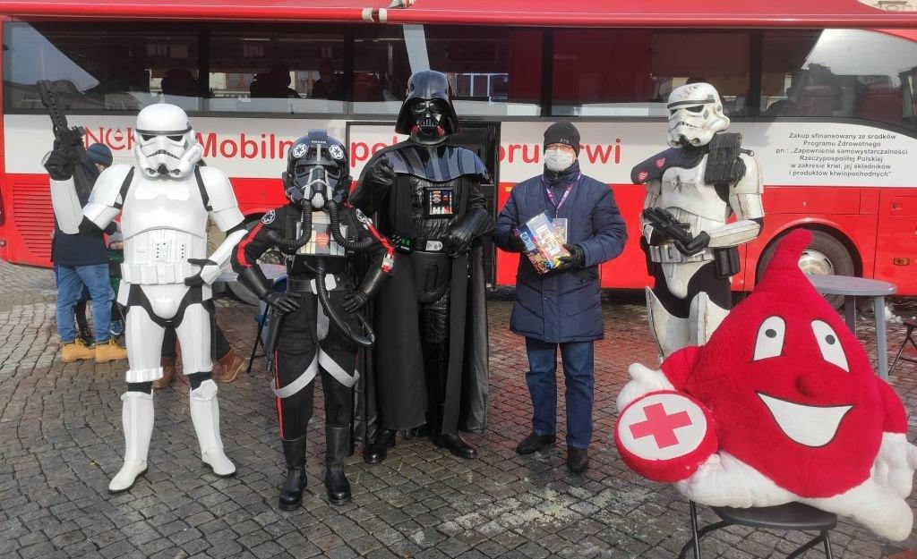 Darth Vader Przyszedł Z Pomocą!