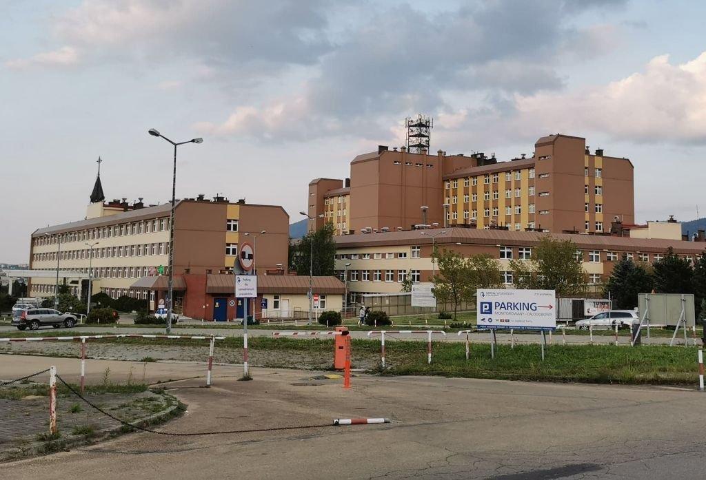 Szpital zmniejsza liczbę łóżek dla chorych na Covid