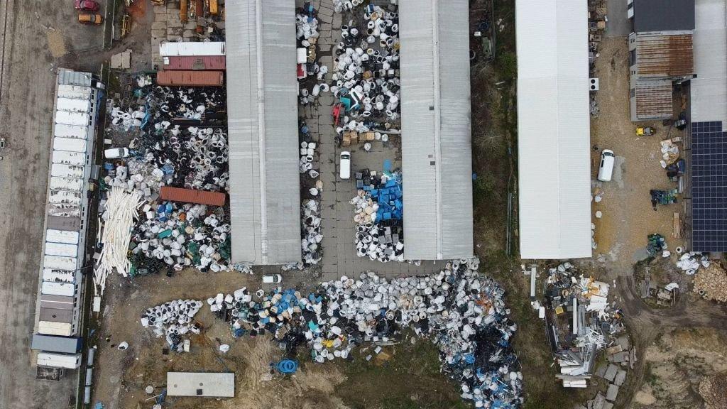 Nielegalnie Składowano Tutaj Odpady. Wykryto To Dzięki Ujęciom Z Drona