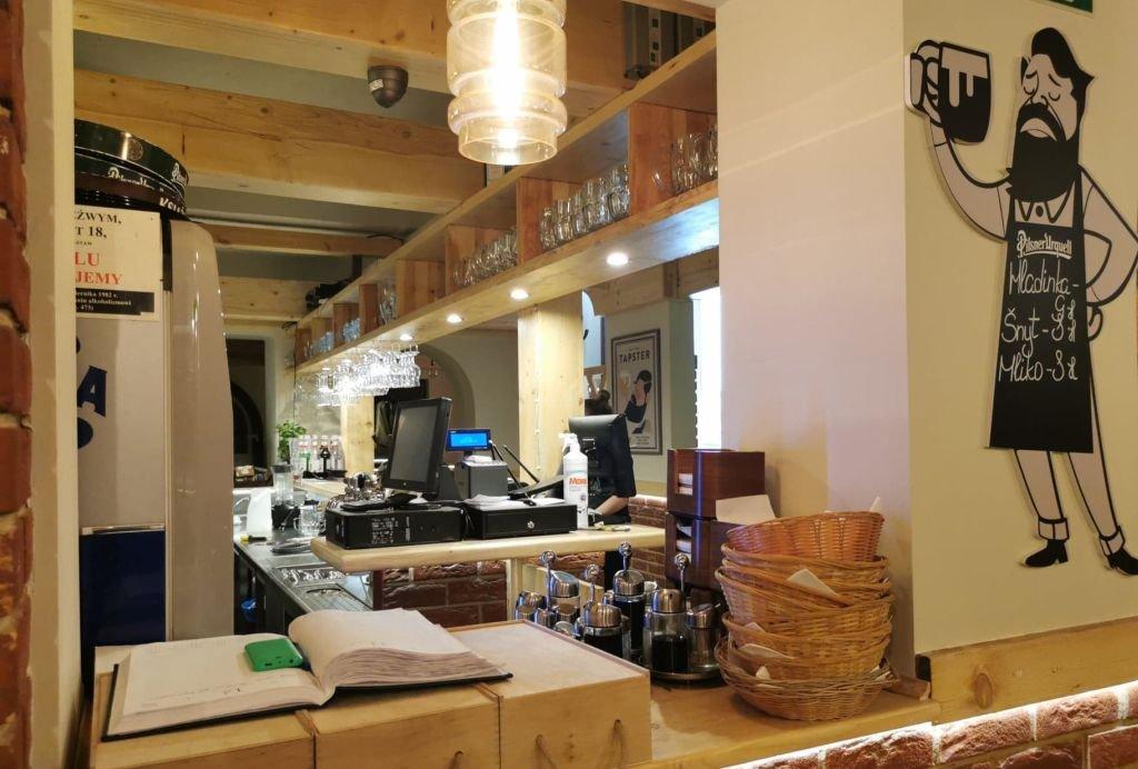 Restauracja Liczy Straty W Milionach. Ich Odrabianie Potrwa Latami