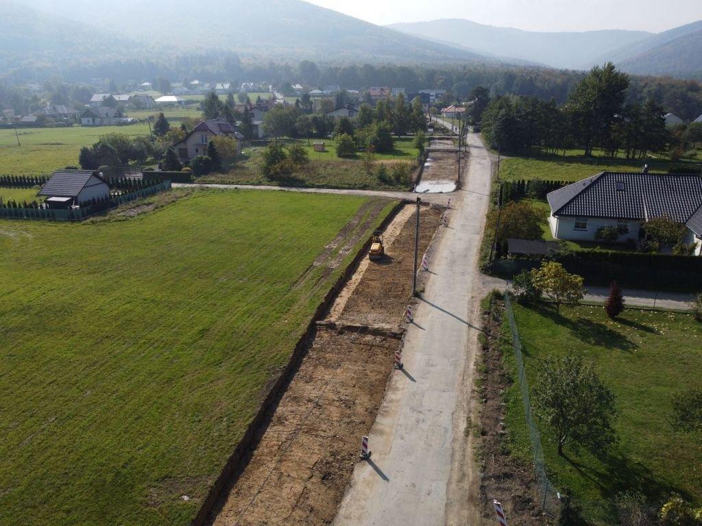 Remontowana jest droga, kilkaset metrów dalej powstanie zbiornik